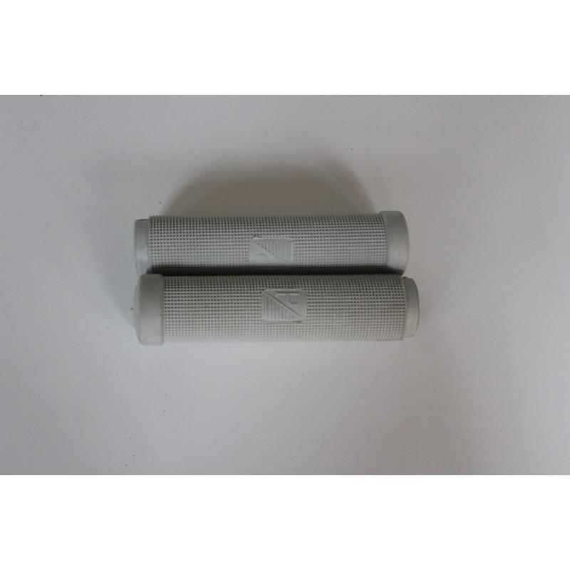 EMPUÑADURAS COLOR GRIS calidad MARCA ARIETE (24mm) Válido para VESPA 125 años '56-'57